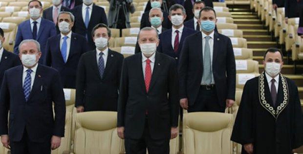 Erdoğan, Anayasa Mahkemesi üyeliğine seçilen Basri Bağcı'nın yemin ...