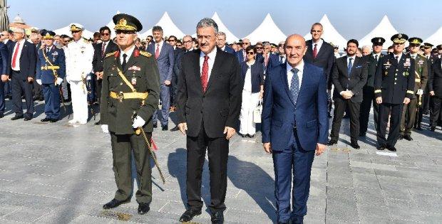 İzmir'de 30 Ağustos kutlaması