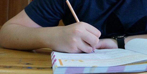Liselerde yüz yüze sınavlar ertelendi